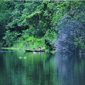 chalalan-lake